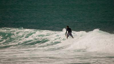 090913 131027 surfing