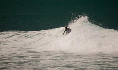 090913 131022 surfing