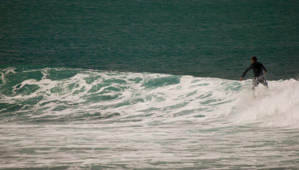 090913 131026 surfing