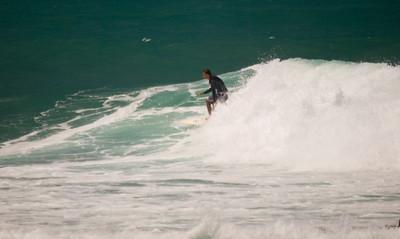 090913 131017 surfing
