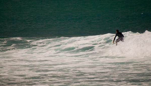090913 131024 surfing