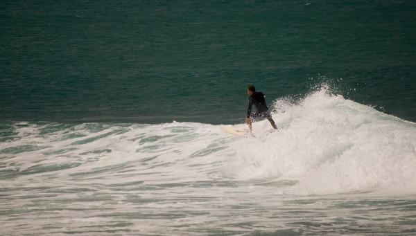 090913 131025 surfing