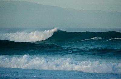 Rip Curl Pipeline Pro, Triple Crown, 2006  Early Morning at Ehukai BeachPipeline Surf Contest   North Shore, O'ahu, Hawai'i  061210.075537
