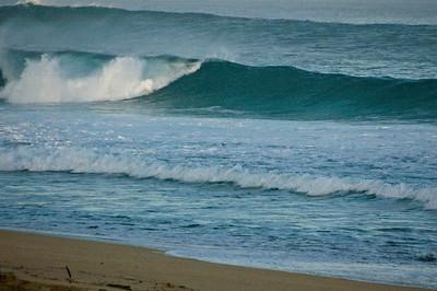 Rip Curl Pipeline Pro, Triple Crown, 2006  Early Morning at Ehukai BeachPipeline Surf Contest   North Shore, O'ahu, Hawai'i  061210.075517