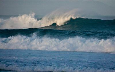 Rip Curl Pipeline Pro, Triple Crown, 2006  Early Morning at Ehukai BeachPipeline Surf Contest   North Shore, O'ahu, Hawai'i  061210.75534