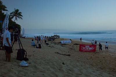 Rip Curl Pipeline Pro, Triple Crown, 2006  Ehukai BeachPipeline Surf Contest   North Shore, O'ahu, Hawai'i  061210.075219