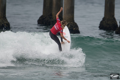 Surf Girls! Nikon D4 Photos of Pro Women's Surfers with 600mm Nikkor Prime!