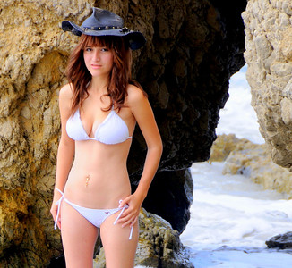 swimsuit model beautfiful woman malibu 553.34.34
