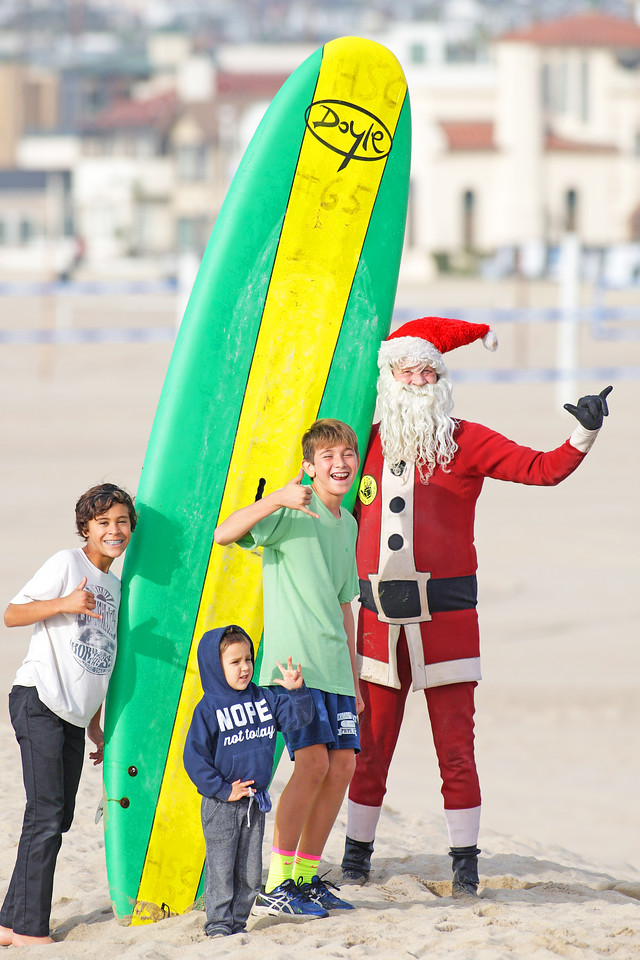 Surfing Santa 12.13.2016 North Side Hermosa Pier