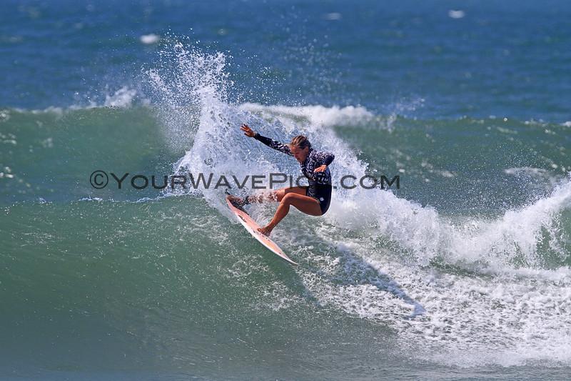 2017-09-06_Lowers_Pauline_Ado_11.JPG<br /> <br /> Hurley Pro warmups