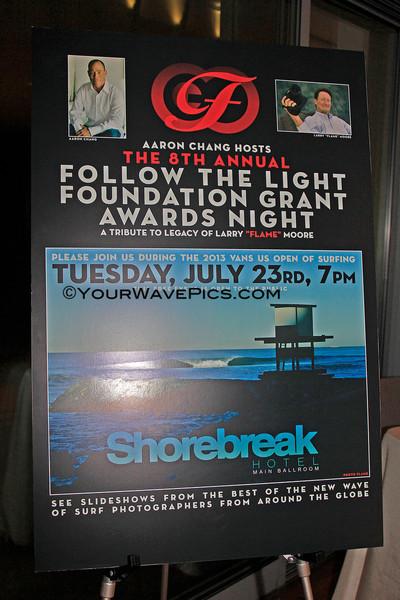 Follow The Light_sign_6726.JPG