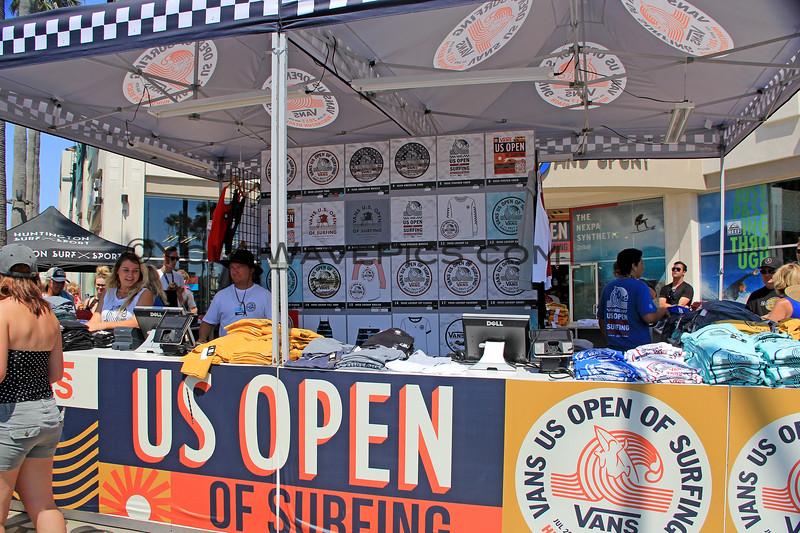2017-08-06_US Open_T-Shirt Store.JPG