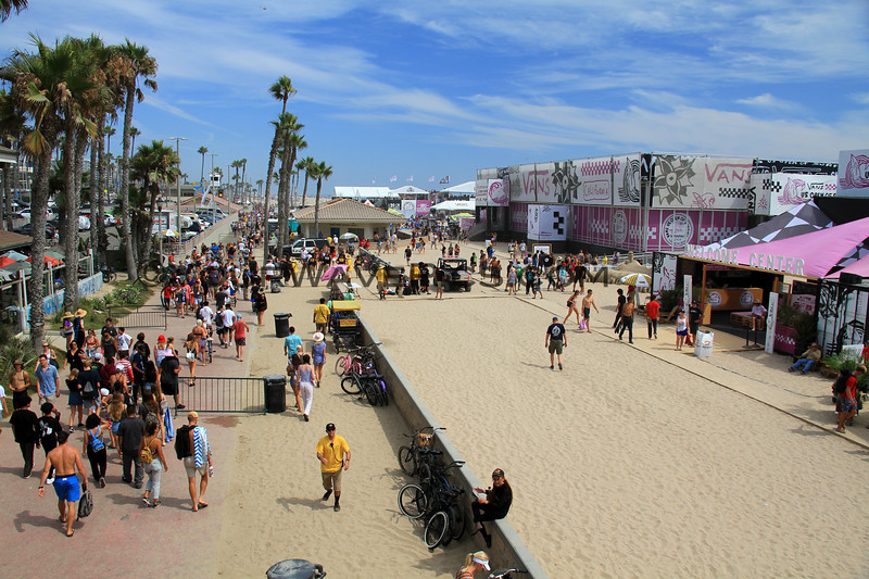 2019-08-04_US Open_8_Finals Day Crowds.JPG<br /> <br /> Finals Day, US Open of Surfing 2019