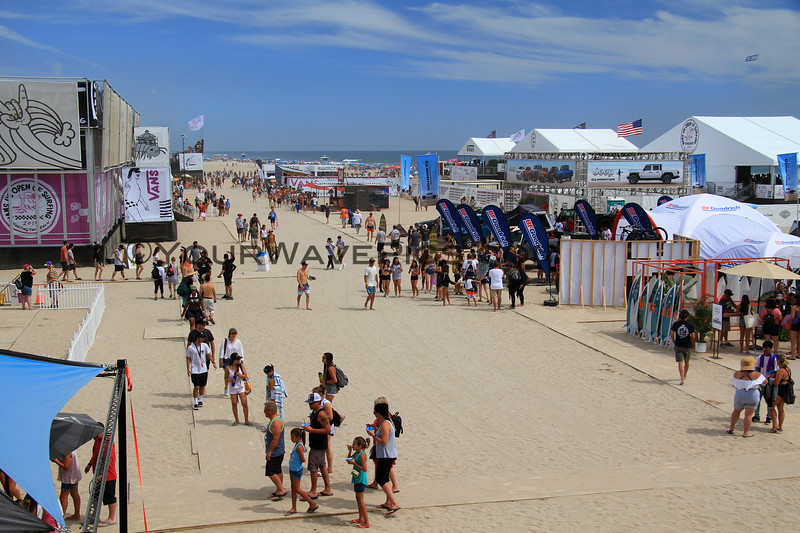 2019-08-04_US Open_9_Finals Day Crowds.JPG<br /> <br /> Finals Day, US Open of Surfing 2019