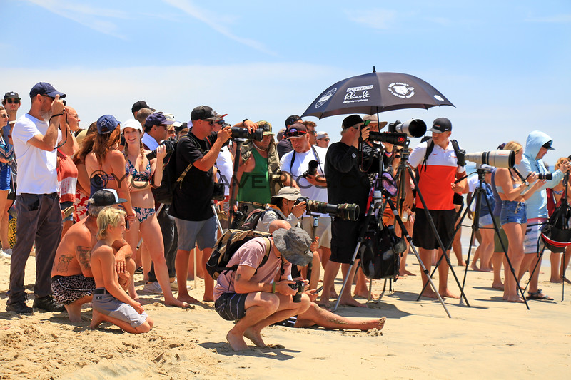 2019-08-04_US Open_4_Photographers.JPG<br /> <br /> Finals Day, US Open of Surfing 2019