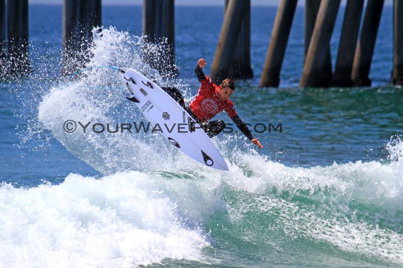 2019-08-02_US Open_Jorgann_Couzinet_13.JPG<br /> Mens Round 5<br /> US Open of Surfing 2019