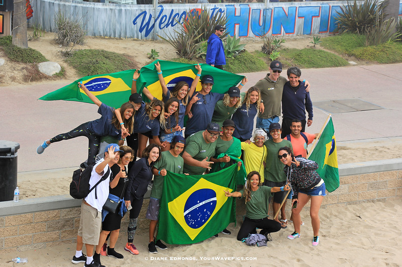 2018-10-27_Vissla World Juniors_Brazil_2.JPG<br /> Vissla ISA World Junior Surfing Championship 2018 - Opening Ceremony<br /> <br /> Team Brazil