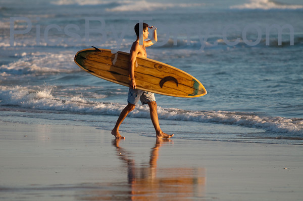 Folks Surfing at Pier in  Flagler Beach, FL on 09/13/2013
