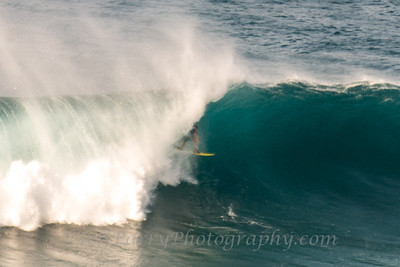 Grant Breuer threading the needle outer islands Hawaii 6