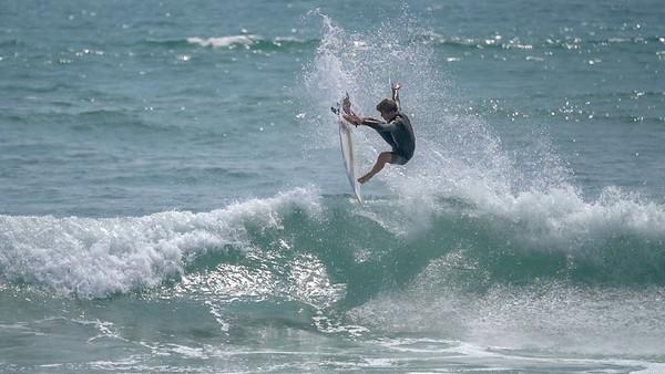IMAGE: https://photos.smugmug.com/Surfing/Local-Pics/i-h9BXnjL/0/7e0d0475/M/C0009-M.jpg