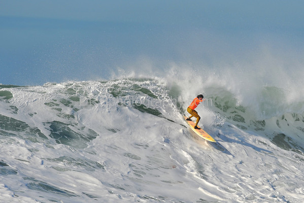 12 January 2008: Shane Desmond during the semifinals of the 2008 Mavericks Surf Contest in Half Moon Bay, CA.