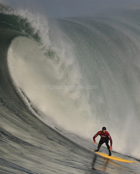 12 January 2008: Ryan Seelbach during Heat 3 of the 2008 Mavericks Surf Contest in Half Moon Bay, CA.