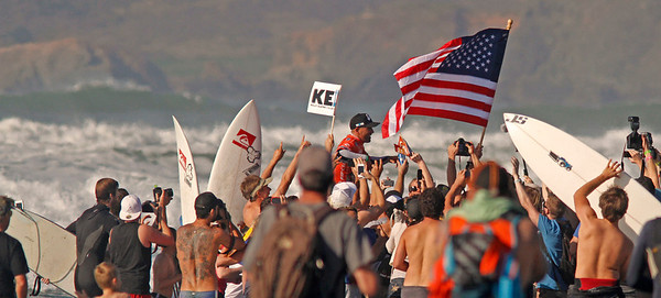 Kelly Slater 11th Pro win- the first time (eventually withdrawn as numbers miscalculated)