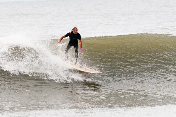100918-Surfing-1051