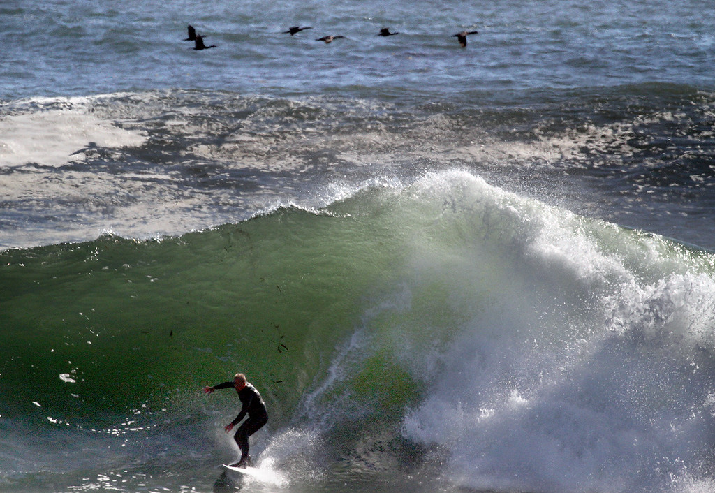 . Nonth-northwest swell rolls into Steamer Lane in Santa Cruz, California on Tuesday October 24, 2017.  Photo by Shmuel Thaler /Santa Cruz Sentinel