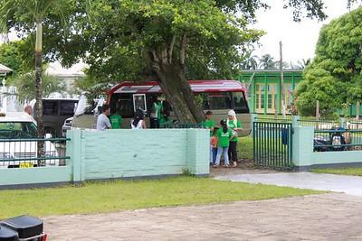 De bus uit Domburg met een groene inhoud