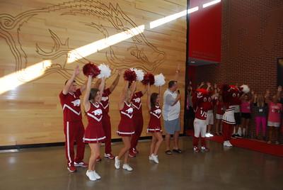 Coach Bret Bielema_Razorback cheerleaders_mascots4