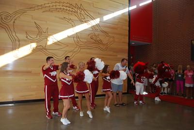 Coach Bret Bielema_Razorback cheerleaders_mascots6