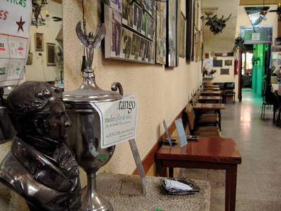 En Palermo, una sala de milongas en el corazon del nido del tango