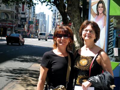 "Ani e Isabel, en calle Corrientes, al fondo "" El obelisco ""   Ani and Isabel in Corrientes street, in the backwround do not miss ""EL obelisco """