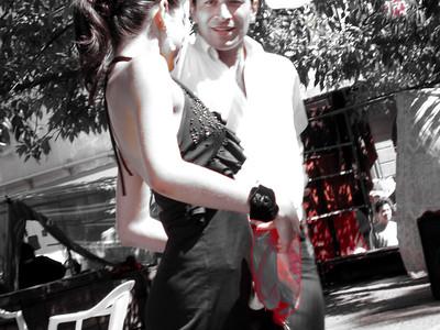 Elegancia, decision, caballerosidad,ternura y picardia, todo en un baile.  Y por cierto que tio... para cometer pecado.  Elegant, decisive, gentelman, tender and spice, all in one dance.