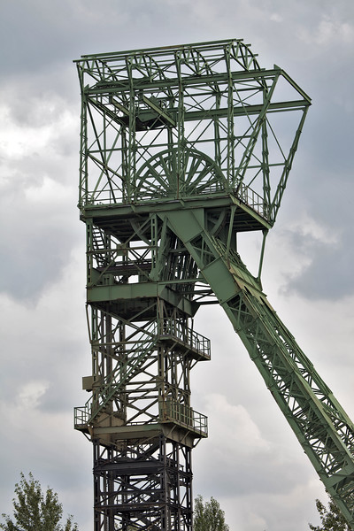 disused coal mine pit head wheel Germany 100811 ©RLLord 2474 v smg
