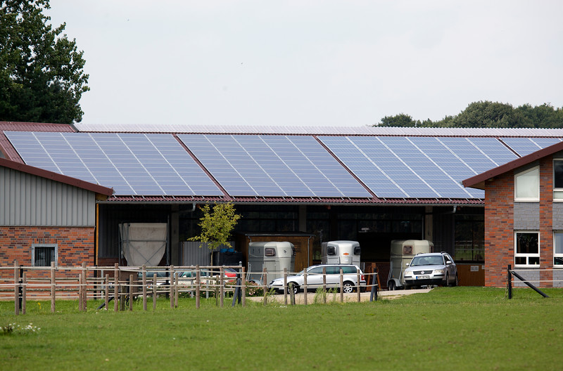 German riding stables photovoltaic panels 110811 ©RLLord 2459 smg
