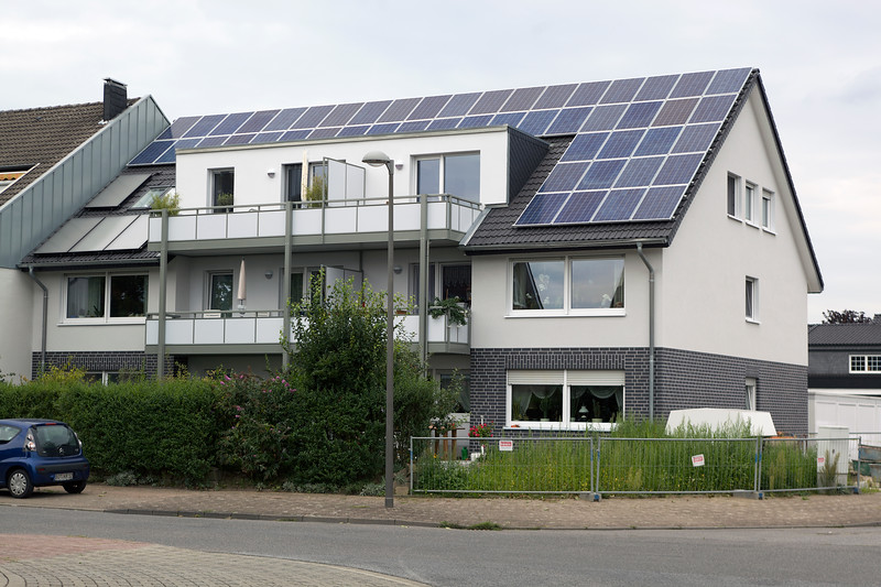 German property pv panels flat plate solar 110811 ©RLLord 2530 smg