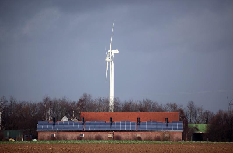 Germany near Goch photovoltaic panels wind turbine farm building 040112 ©RLLord 9662 smg