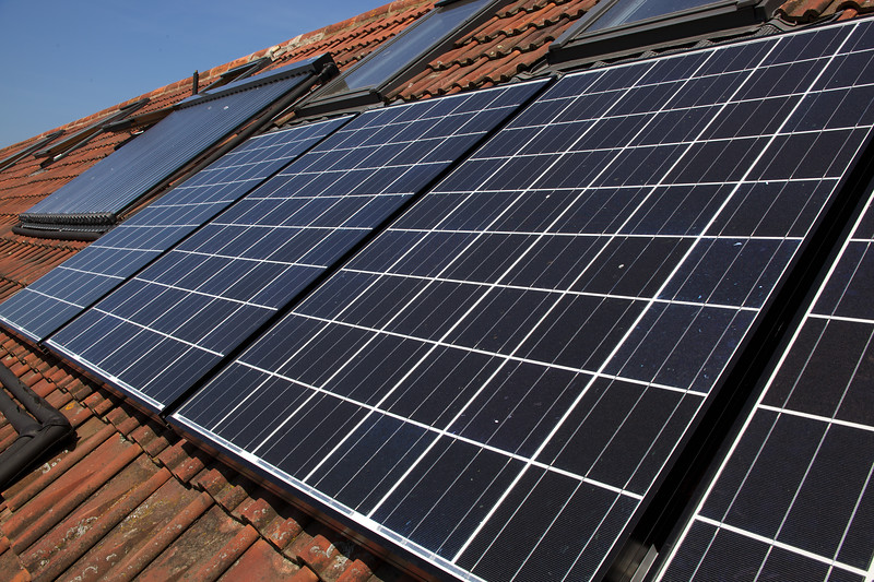 Photovoltaic panels PV solar hot water evaculated tube Gavin Lanoe 210510 ©RLLord 9542 smg