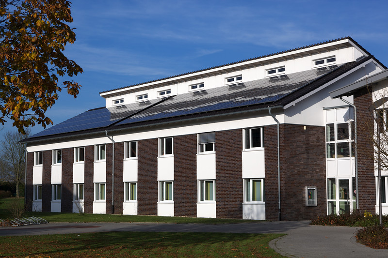 photovoltaic panels on police station Kleve Germany 21110 ©RLLord 2896 smg