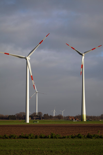 red banded wind turbines near Goch Germany 080112 ©RLLord 0204 smg