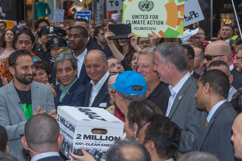 Avaaz hands 2 million signatures to UN Secretary General Ban Ki-Moon during People's Climate March