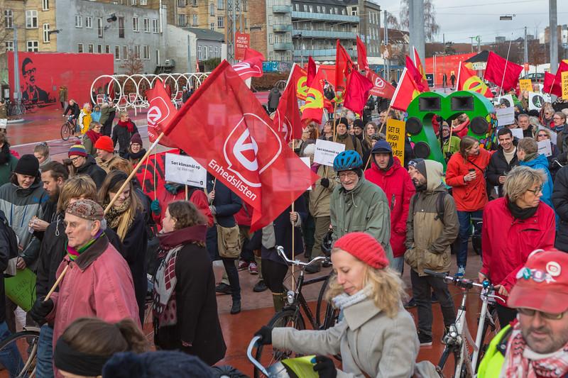 Copenhagen climate march Enhedslisten Device list 291115 ©RLLord 8032 smg