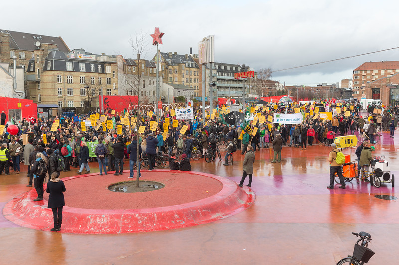 Copenhagen climate march Red Square 291115 ©RLLord 7996 smg