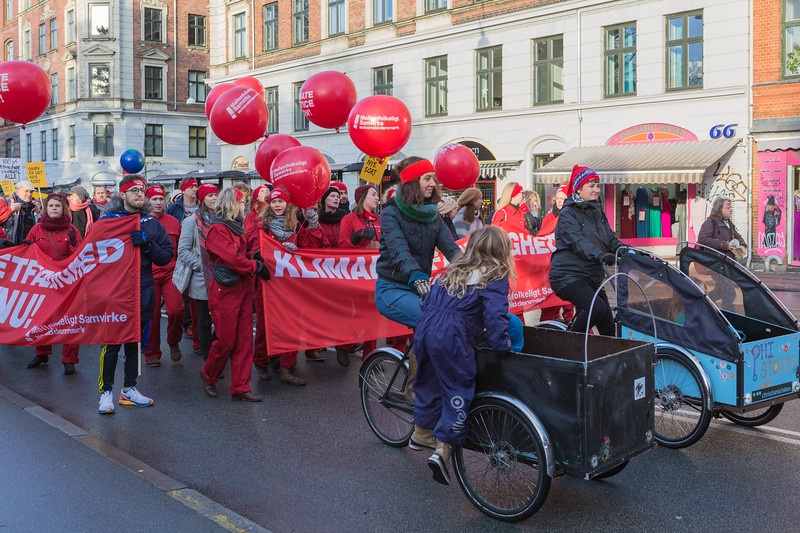 Copenhagen climate march mellemfolkeligt samvirke actionaid Denmark cargo bikes <br /> <br /> File No. 291115  8082<br /> ©RLLord<br /> All Rights Reserved<br /> <br /> sealord@me.com