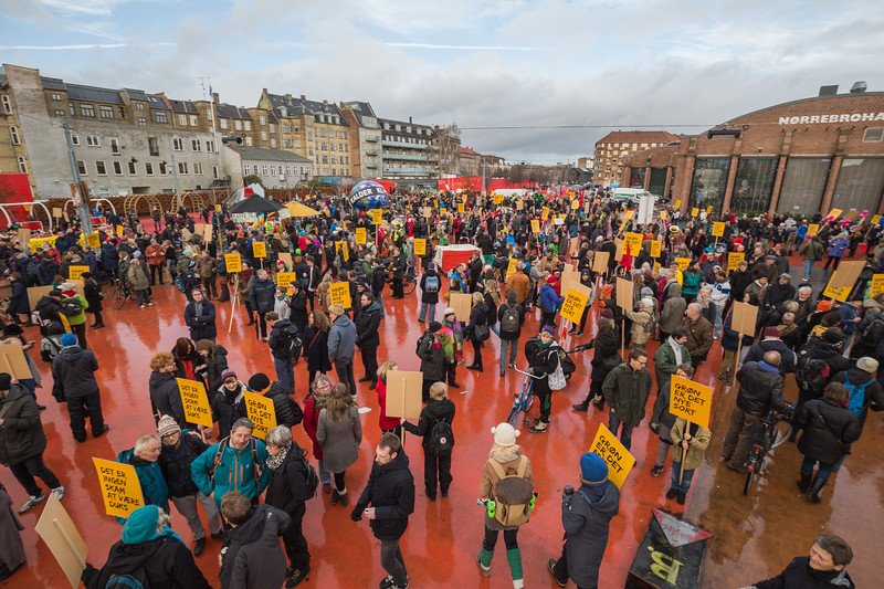 Copenhagen climate march Red Square 291115 ©RLLord 7987 smg