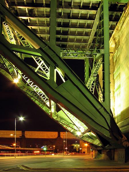 Newcastle Tyne Bridge 180307 7241 smg