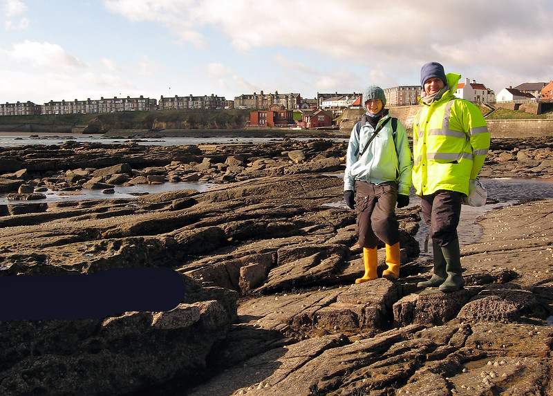 Alice Lawrence and Richard Lord on the PMNHS field trip at Cullercoats