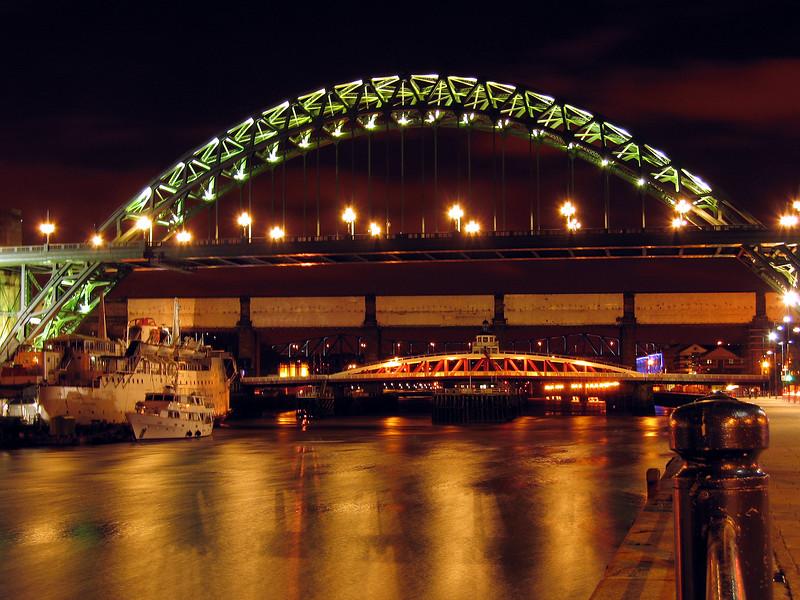 Newcastle Tyne bridge 180307 7233 smg